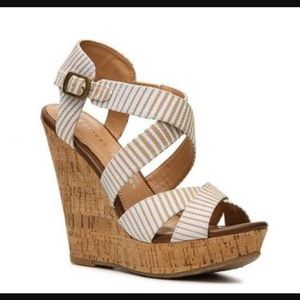 Chinese Laundry Marianne Striped Wedge Sandal 9.5